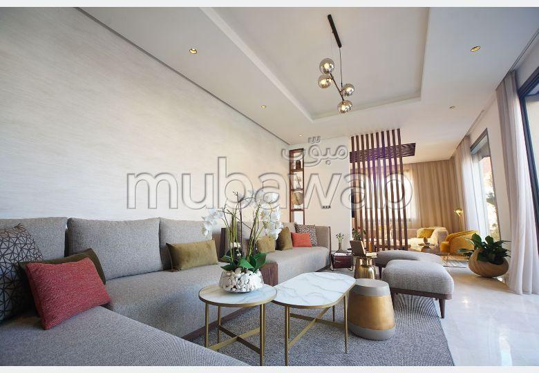 Fabulous villa for sale. Total area 295 m². Private garden.