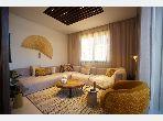 Magnificent villa for sale. Dimension 295 m². Green area.