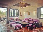 بيع شقة بمراكش. المساحة الإجمالية 300.0 م². حديقة وشرفة.