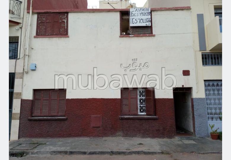 Maison à l'achat à Casablanca. 3 pièces confortables