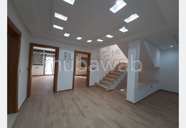 Somptueuse villa à vendre à Val Fleuri. Surface de 200.0 m². Jardin et terrasse