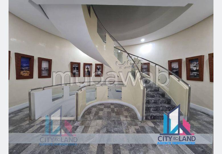 شقة جميلة للكراء بطنجة. المساحة 120.0 م². مفروشة.