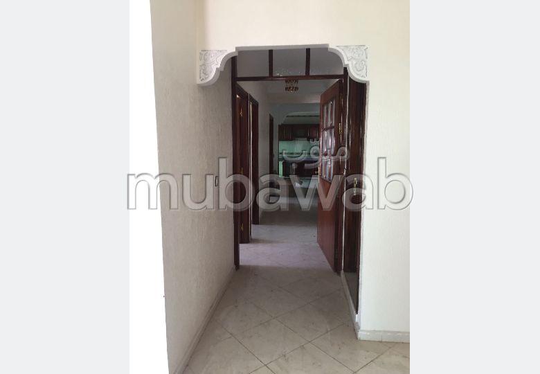 Superbe appartement à vendre à Kénitra. 5 pièces confortables. Ascenseur et terrasse.