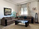شقة رائعة للبيع بطنجة. المساحة الكلية 171.0 م². شرفة وحديقة.