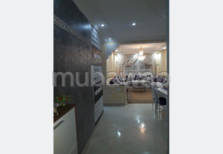 بيع شقة بالقنيطرة. المساحة الكلية 72.0 م². مصعد ومرآب.