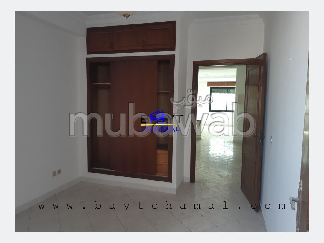 Sell apartment in Administratif. 3 Toilet. With lift and terrace.