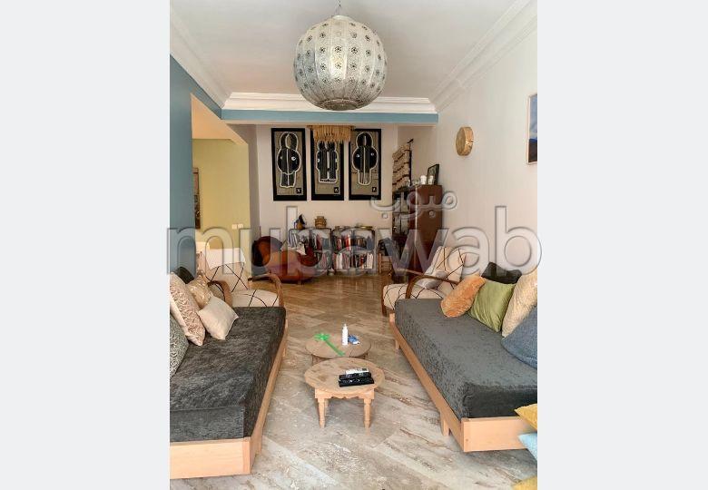 Rare 4 chambres sur 168 m² non meublé