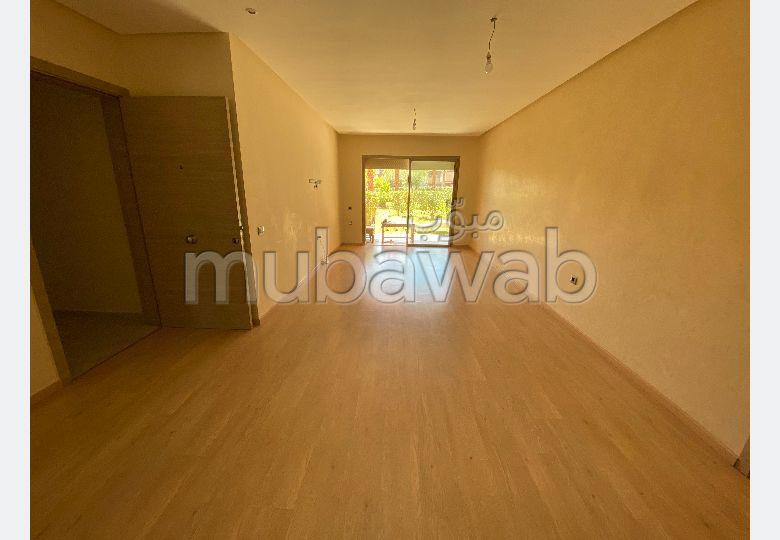 Très bel appartement vide en location à Agdal