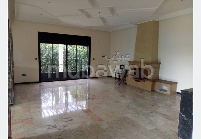 Villa à usage bureau en location à Hay Riad