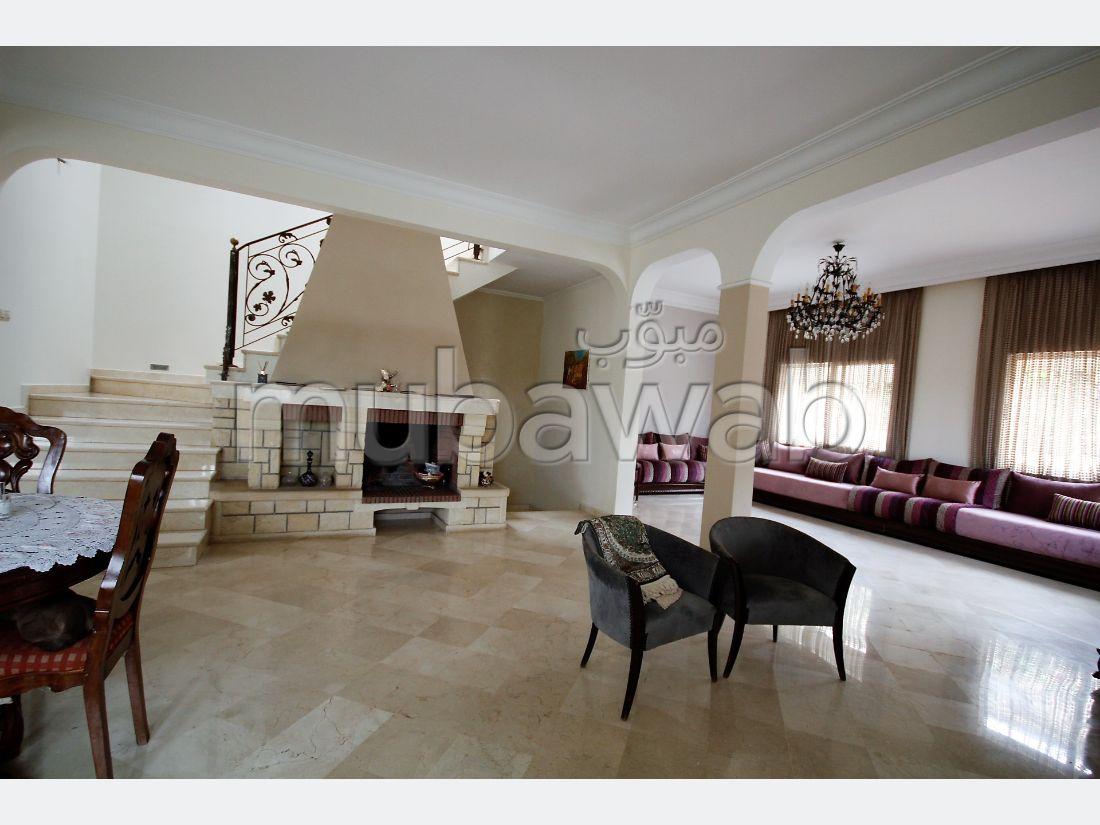 Belle villa de caractère de 450 m² sur 3 niveaux