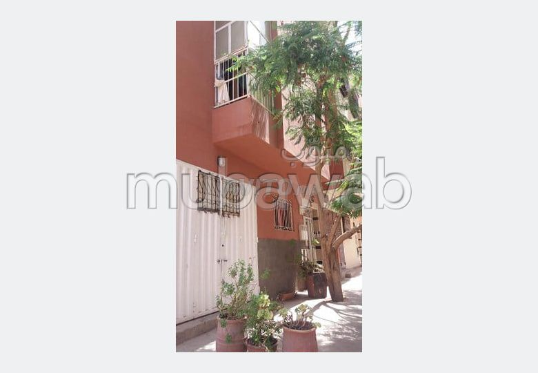 Maison à acheter à Marrakech. 7 pièces confortables. Parking et terrasse.