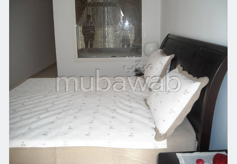 Apartments for rent. Large area 120.0 m². Furnishings.
