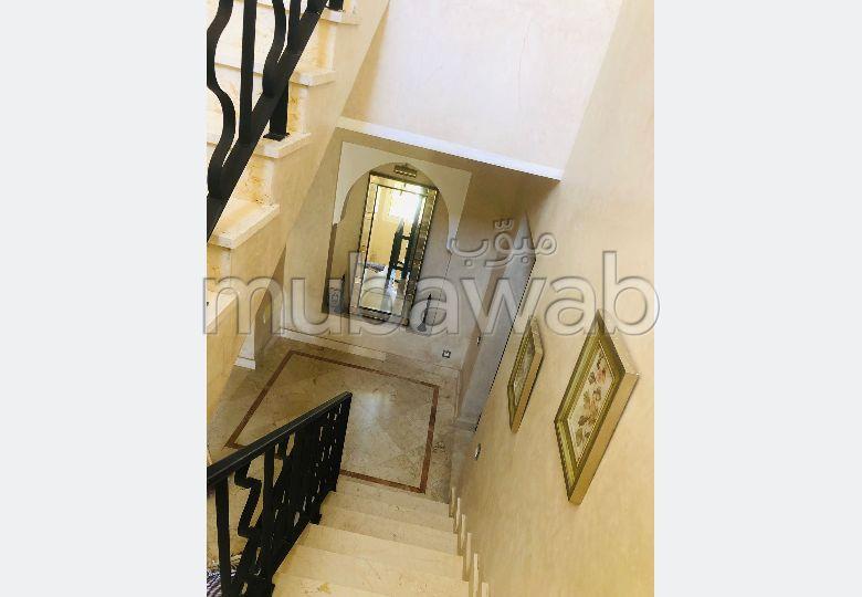 Villa de luxe à louer à Malabata. 4 belles chambres. Meublée