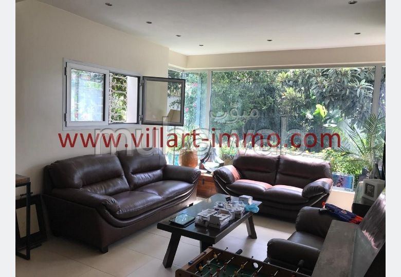 Find your house to buy. 4 lovely rooms. Green areas, Parking spaces for cars.
