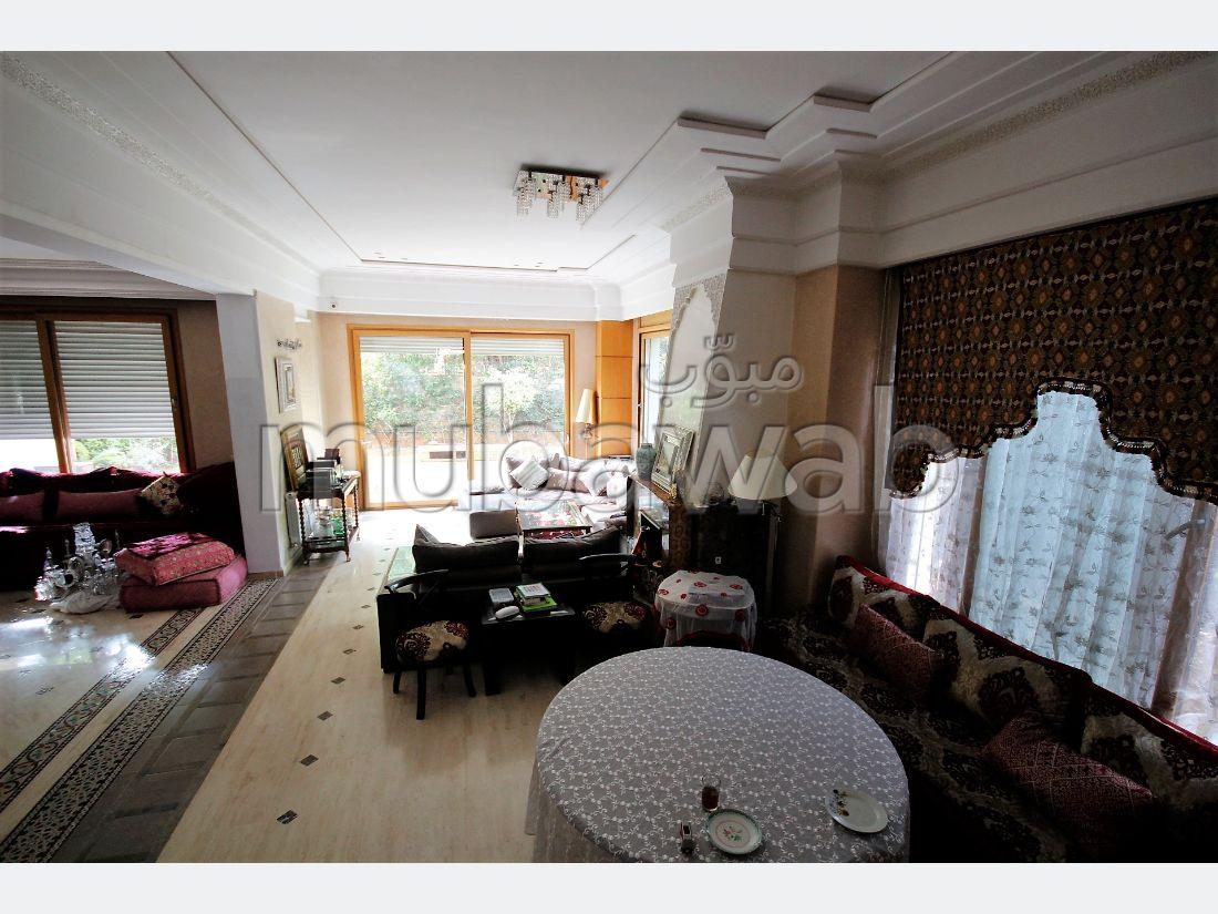 Agréable villa d'angle 5 chambres a 10 mn du centre calme