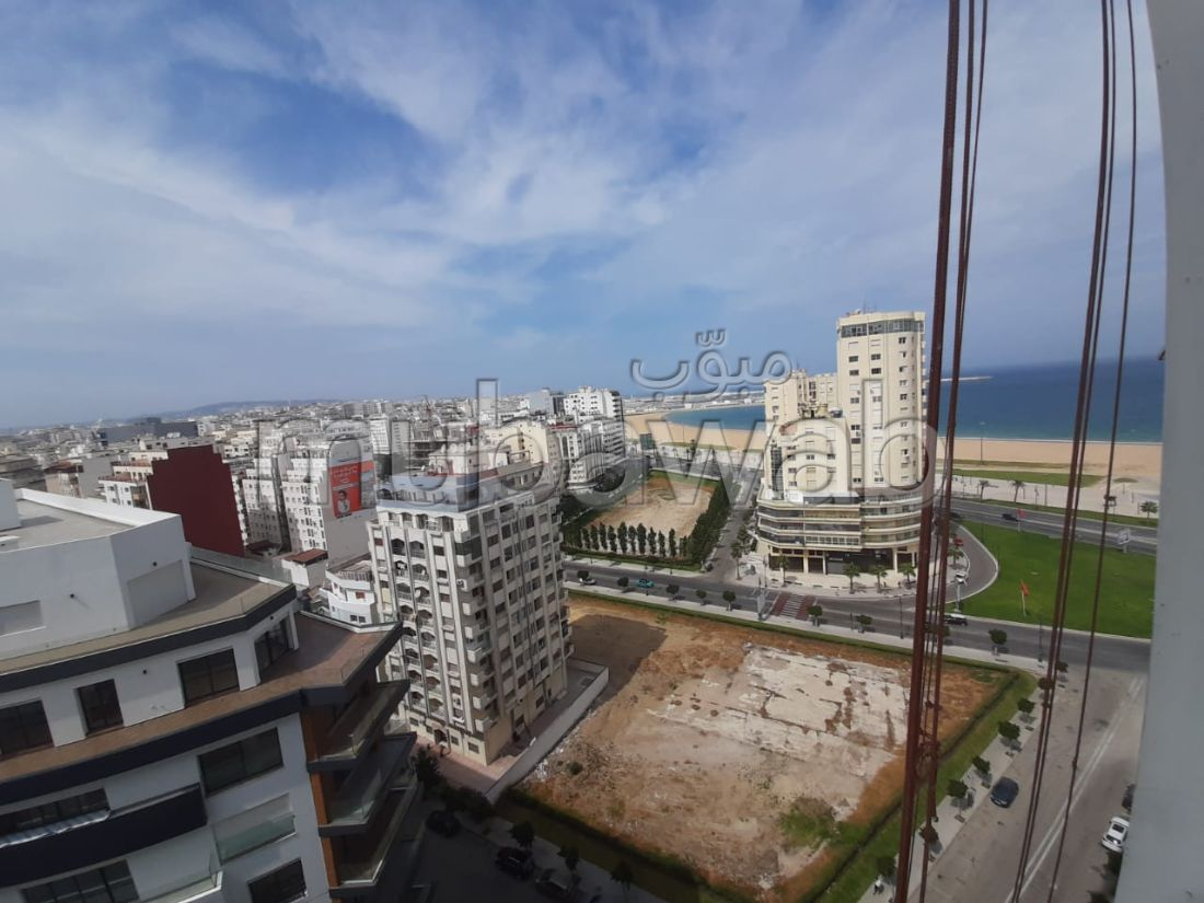 Find an apartment to buy. Area 115 m². With Lift, Carpark.