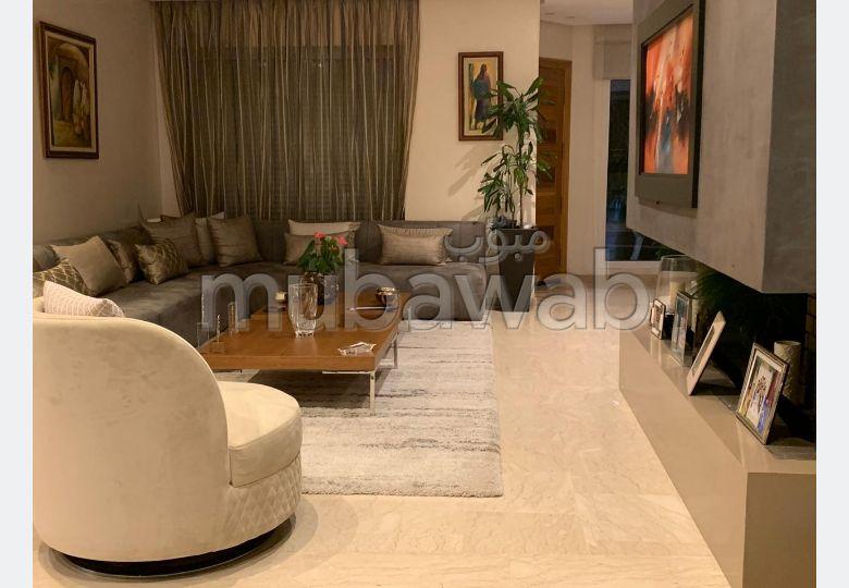 Maison de luxe à vendre à Ain Diab Extension. Superficie 240.0 m²