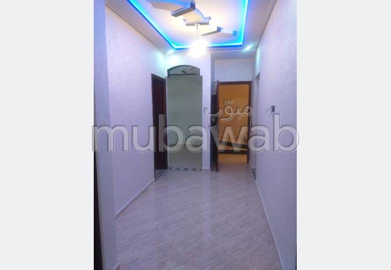 شقة رائعة للبيع ب حي النهضة. 3 غرف جميلة.