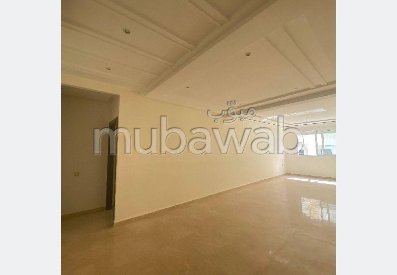 Piso en venta. Area 150.0 m². Residencia con conserje, aire condicionado general.