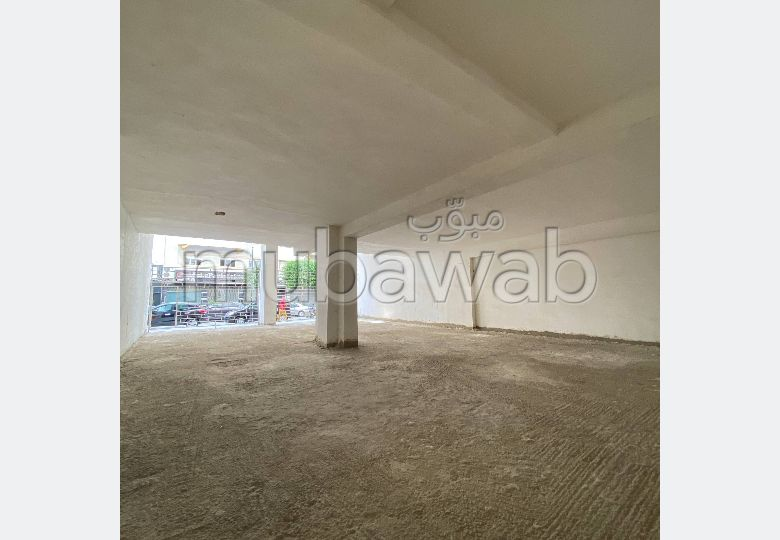 Offices & shops for sale. Surface area 522.0 m².