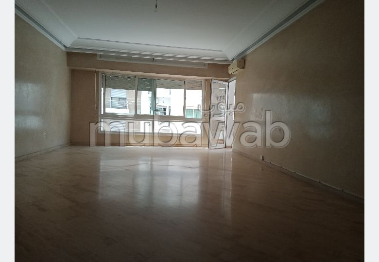 Lovely apartment for rent in Racine. 3 comfortable rooms. With Lift, Carpark.