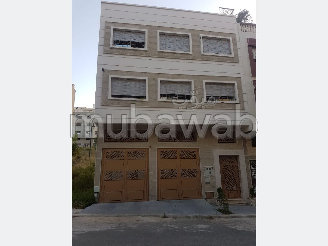 House for sale in Tanja Balia. 4 Hall. Refrigerator.
