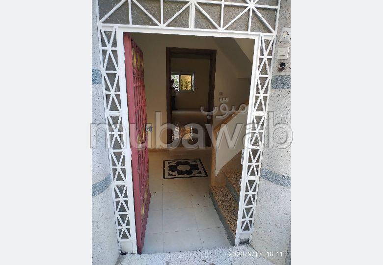 Appartement à louer à Tanger. Surface de 140.0 m². Espace vert.