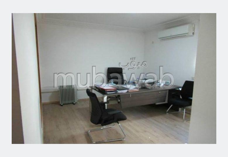 Villa usage bureau de 400 m² à louer à Hay Riad