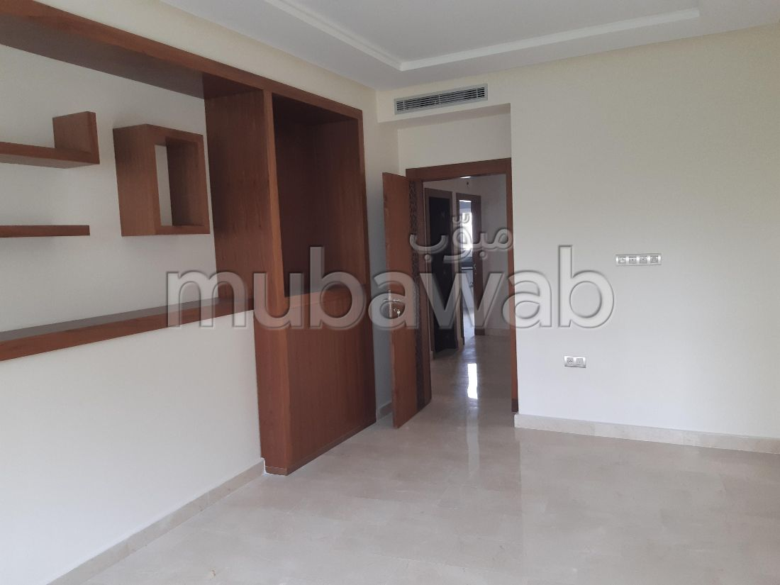 Sale of a lovely apartment in Iberie. 5 Cabinet. Carpark and elevator.