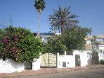 Splendid villa for sale. 4 Master bedroom. Garden and terrace.