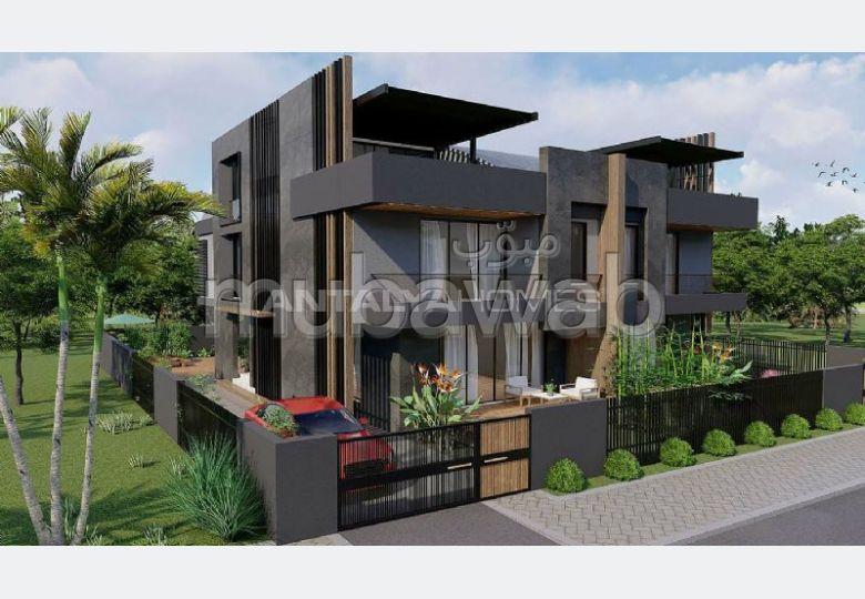 Casa de lujo en venta. 4 dormitorios. Jardineras, Gran terraza.