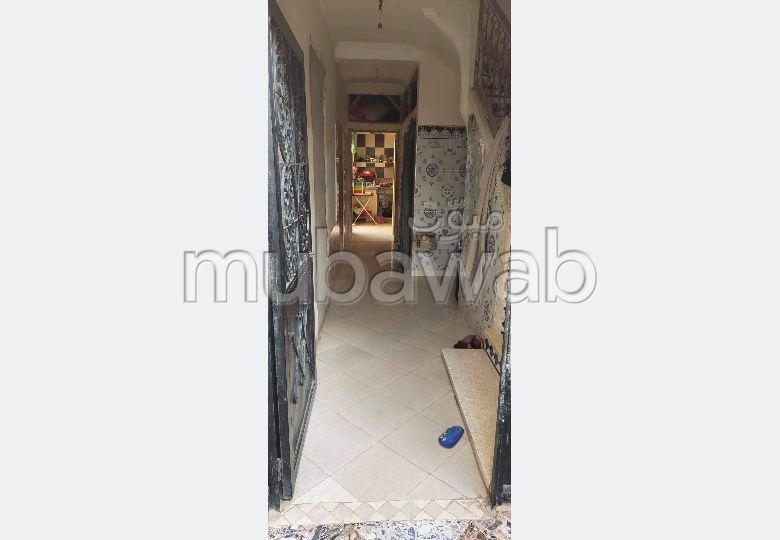 Maison à acheter à Marrakech. 6 pièces. Salon contemporain.