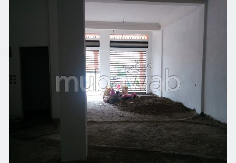شقة للشراء بمراكش. المساحة الإجمالية 120.0 م². صالون مغربي نموذجي ، إقامة آمنة.