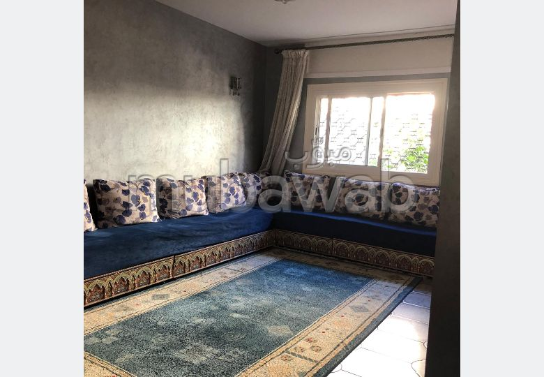 Villa de haut standing à vendre à Tanger. 3 pièces confortables. Places de parking et beau jardin