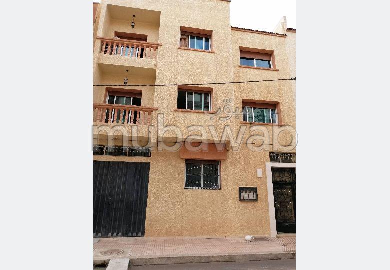 Maison R plus deux étages 5 ch 3 salons garage
