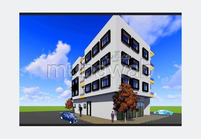 Bonito piso en venta. Pequeña superficie 74 m². Salón tradicional, antena parabólica general.