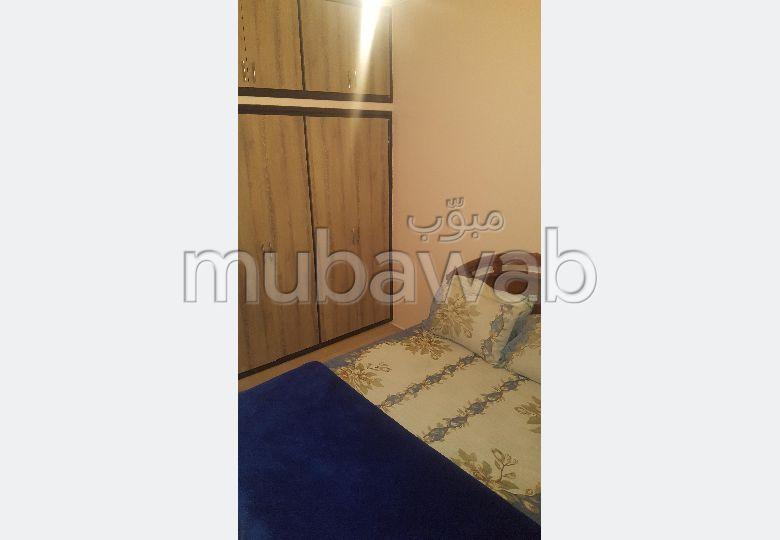 Très bel appartement en location à Agadir. 5 grandes pièces. Bien meublé