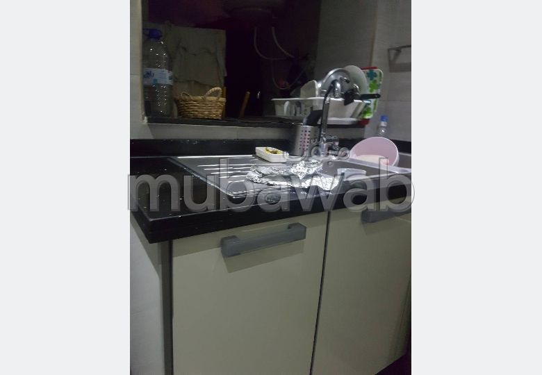 Apartment for rent. Surface area 1308.0 m². Caretaker service available, air conditioning.