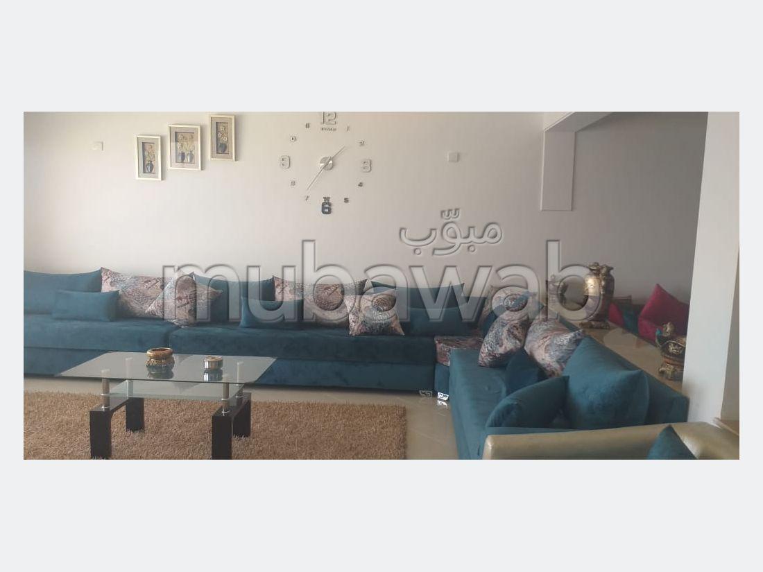 Superbe appartement à louer à Malabata. Superficie 168.0 m². Meublé