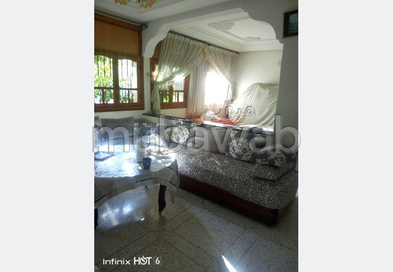 شقة للبيع بفاس. 3 غرف ممتازة. شرفة.