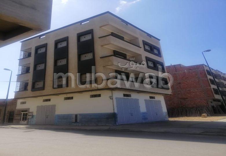 Magnífica casa en venta. Superficie 100 m². Salón tradicional, antena parabólica general.