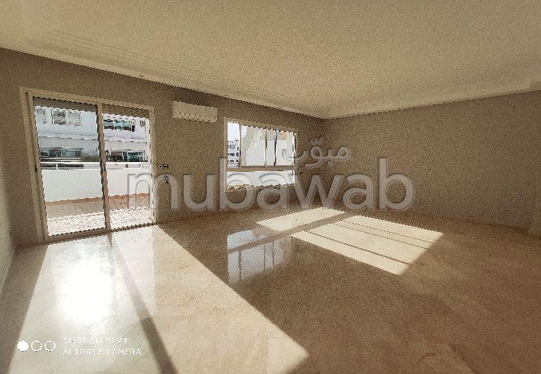 Magnifique Appartement avec terrasse à louer à Casablanca.