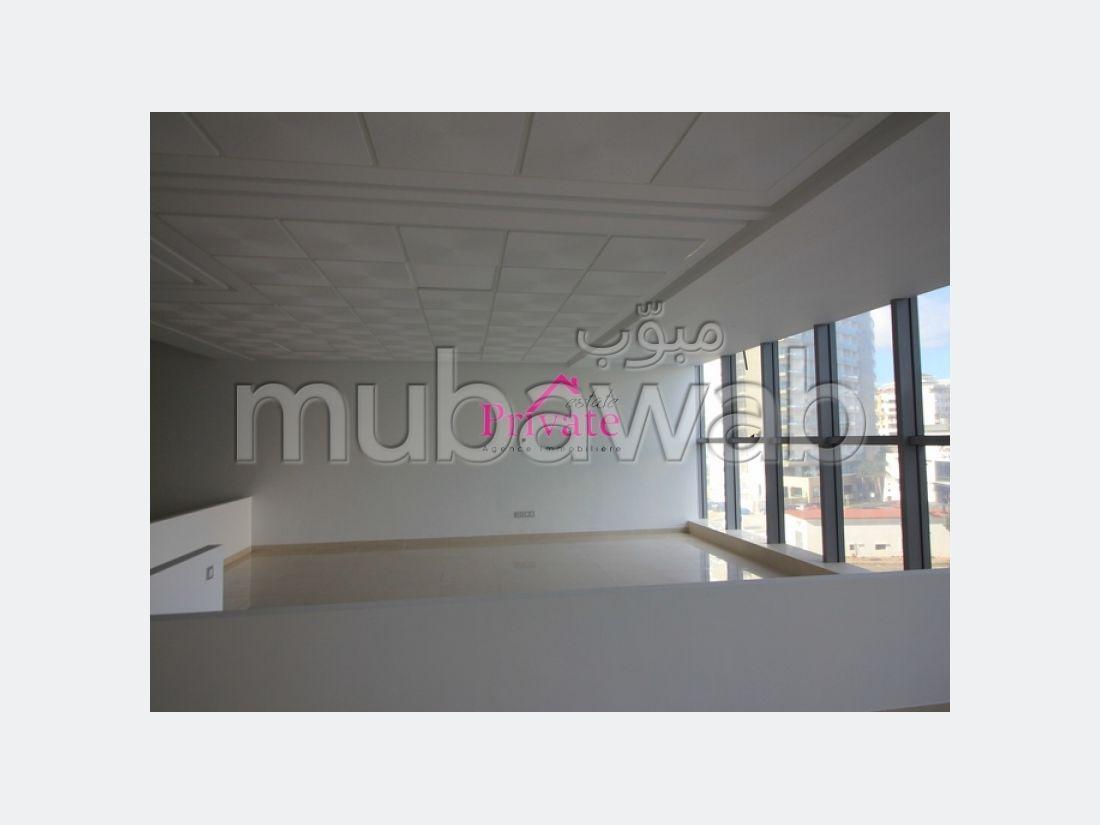 Oficinas en venta. Pequeña superficie 60 m². Seguridad.