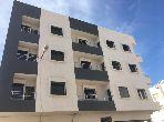 شقة جميلة للبيع بأكادير. 4 قطع رائعة. أماكن وقوف السيارات وشرفة.