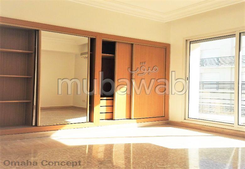 Appart 3ChS 4ème étage 150m2 Garage Clim Racine