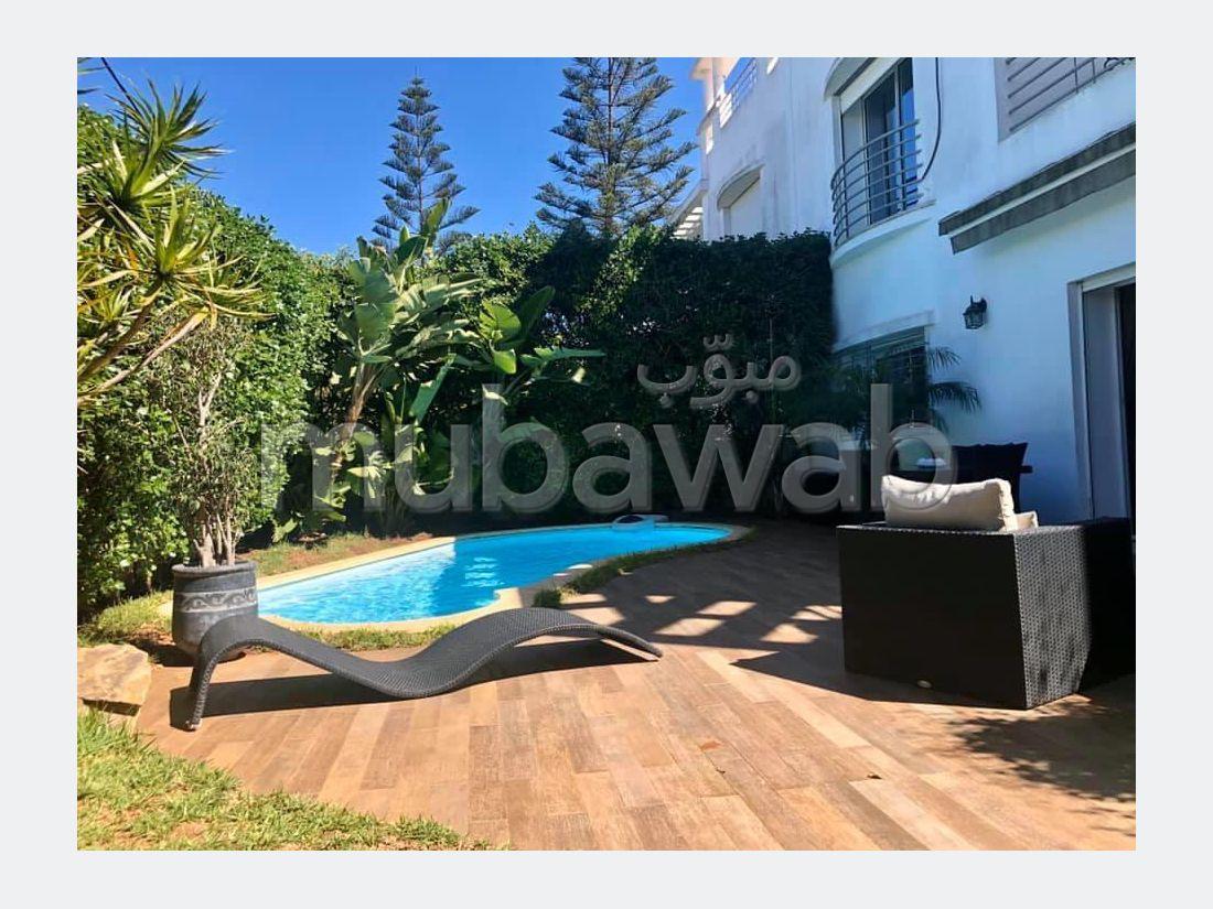 Maison de luxe à vendre à Casablanca. 2 pièces. Porte sécurisée et chauffage central