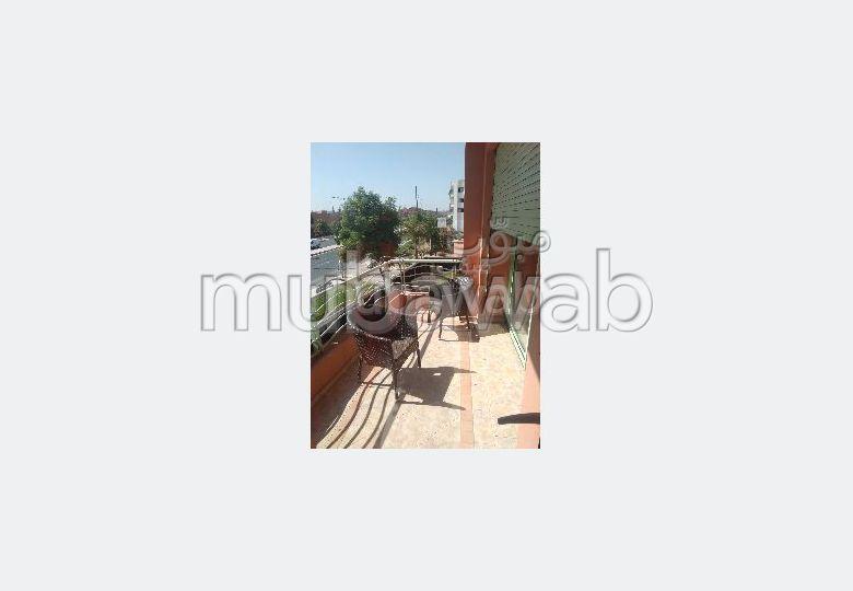 Superbe appartement à vendre à Marrakech. 3 pièces confortables. Système de parabole et résidence sécurisée avec piscine