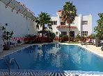 فيلا جميلة للبيع بطنجة. 7 غرف جميلة. صالون مغربي تقليدي ، إقامة آمنة.