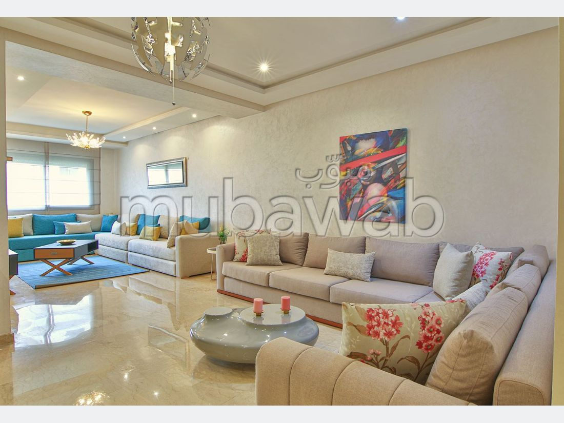 Apartment to purchase. 3 Small bedroom. Terrace.
