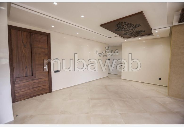 Apartment for sale. Small area 100.0 m².